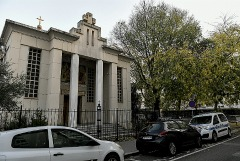 Подозреваемый в нападении на священника в Лионе освобожден