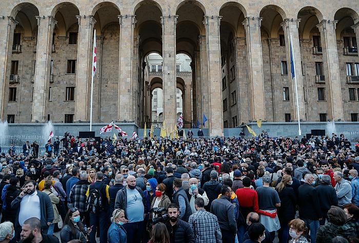 Грузинская оппозиция не признала выборы и отказалась от мандатов