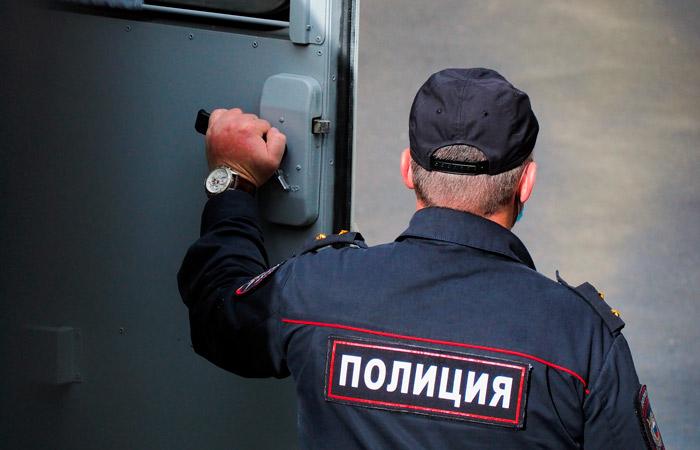Отчим подростка, напавшего на полицейских в Татарстане, был судим за теракт