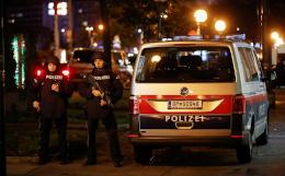 Австрийская полиция продолжила поиск террористов в Вене