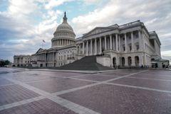 Демократы сохраняют большинство в Палате представителей США