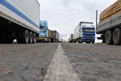 Очередь из фур на границе с КНР в Приморье увеличилась за неделю вчетверо