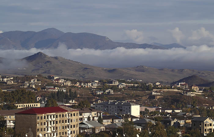 В Карабахе сообщили о войсках Азербайджана на подступах к столице НКР