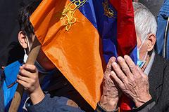 Оппозиция не смогла отправить Пашиняна в отставку из-за отсутствия кворума