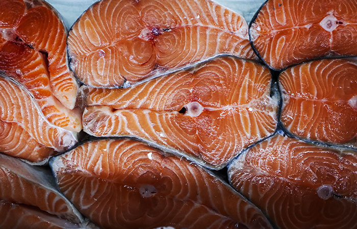 Минсельхоз обеспокоился галопирующими наценками на лососевые