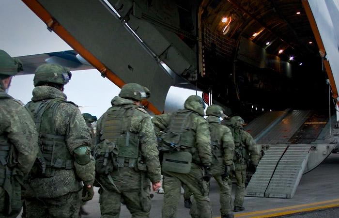 Российские миротворцы вошли в Степанакерт