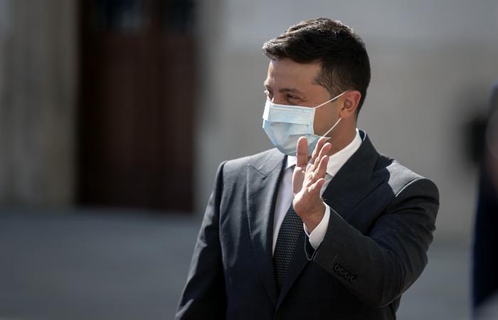 Заразившегося коронавирусом Зеленского госпитализировали