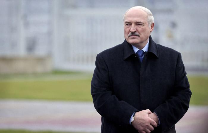Лукашенко обещал обойтись без транзита власти