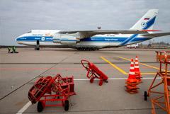 Аэропорт Толмачево закрыли после аварийной посадки крупнейшего в мире самолета