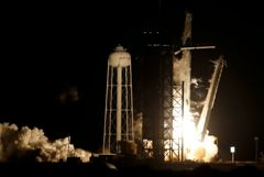 Корабль Crew Dragon с астронавтами стартовал к МКС