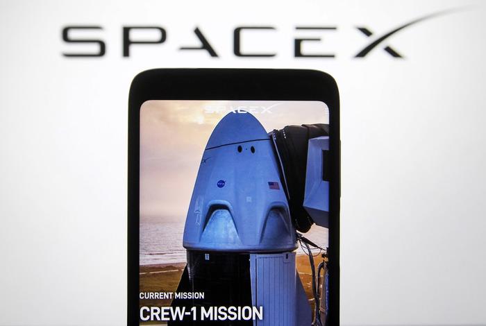 Пилотируемый корабль Crew Dragon состыковался с МКС