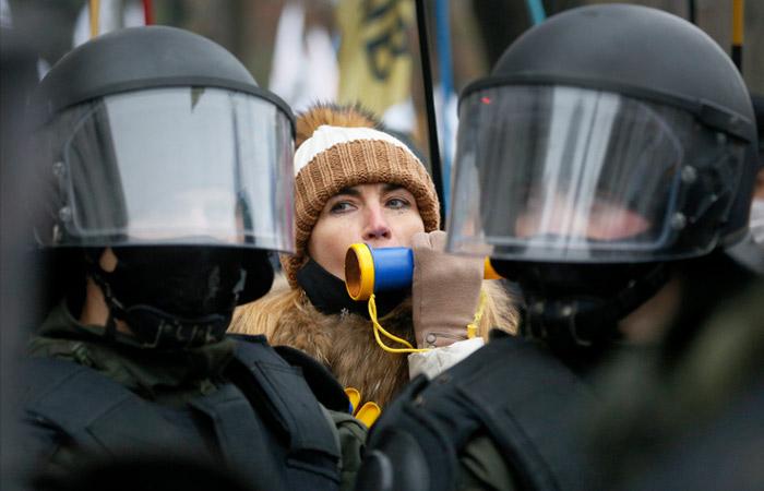 """Украинскому парламенту не удалось отменить карантин """"выходного дня"""""""