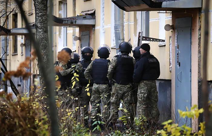 Суд арестовал жителя Колпино, удерживавшего шестерых детей в квартире