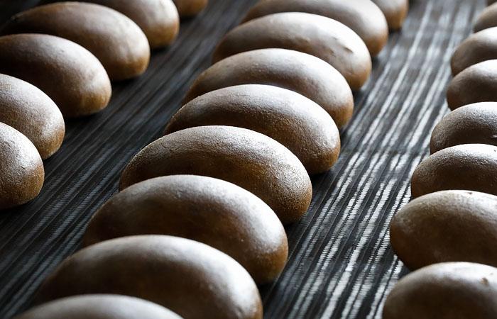 Снижение доходов россиян вызвало рост продаж хлеба