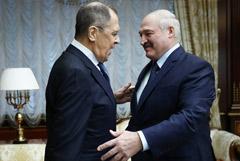Лавров отметил враждебность Запада к России и Белоруссии