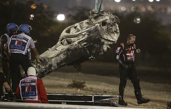 """Авария на этапе """"Формулы-1"""" в Бахрейне"""