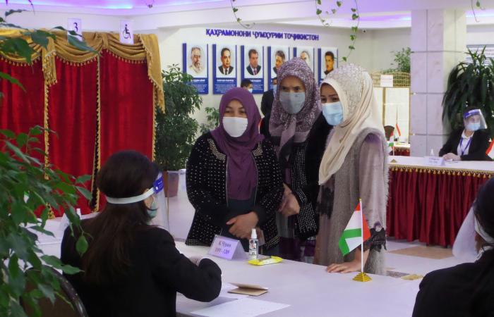 Выборы президента Таджикистана признали состоявшимися