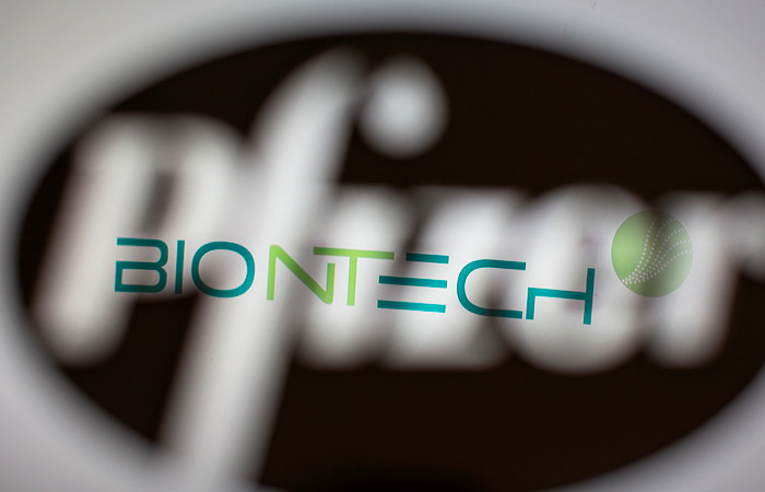 Pfizer и BioNTech подали заявку на использование в Европе их COVID-вакцины