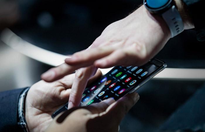 РКН назвал видеосервисы, которые могут быть предустановлены на смартфоны