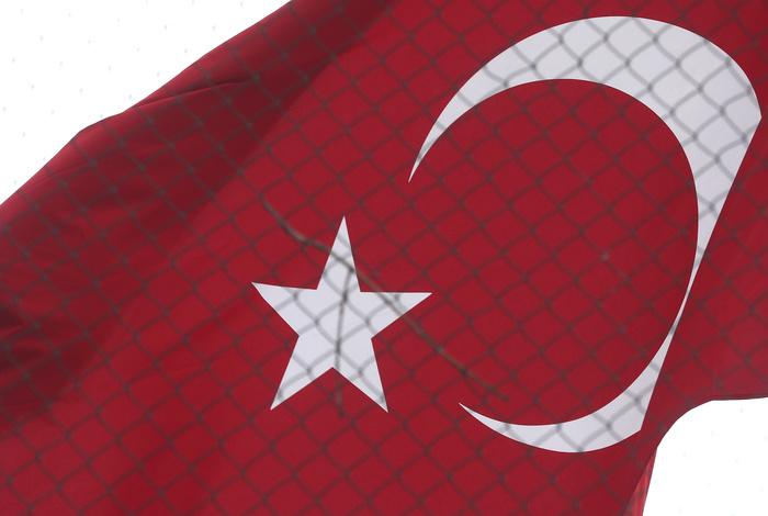 Стамбул подтвердил задержание двух россиян за несанкционированную съемку