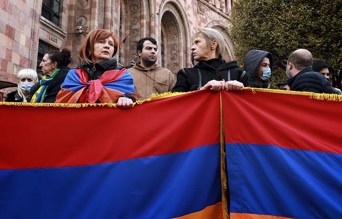 По всей Армении начались акции неповиновения против Пашиняна