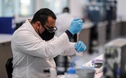 Lancet опубликовал итоги испытаний оксфордской COVID-вакцины