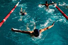 Группа детей и тренеры отравились парами хлора в бассейне в Башкирии