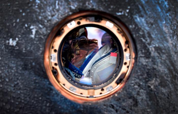 """""""Роскосмос"""" предложил повысить оклады космонавтов на треть"""