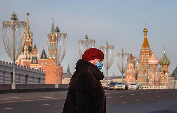 Собянин отметил, что в Москве пока достаточно COVID-мер