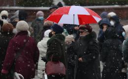 Милиция Белоруссии начала процесс против сотни задержанных пенсионеров