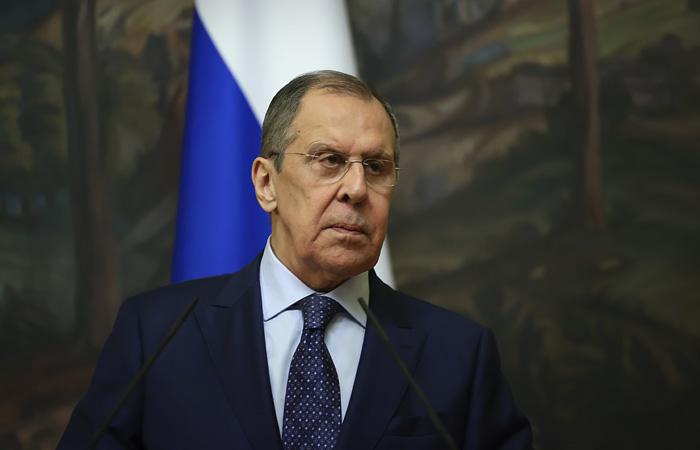 """Лавров счел """"забавными"""" публикации о двойном отравлении Навального"""