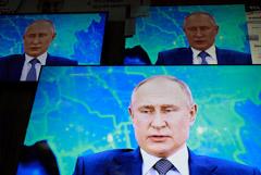 Президент РФ заявил о поддержке Навального иностранными спецслужбами