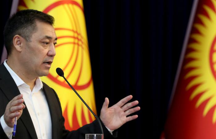 Свой первый визит новый руководитель Киргизии нанесет в Россию