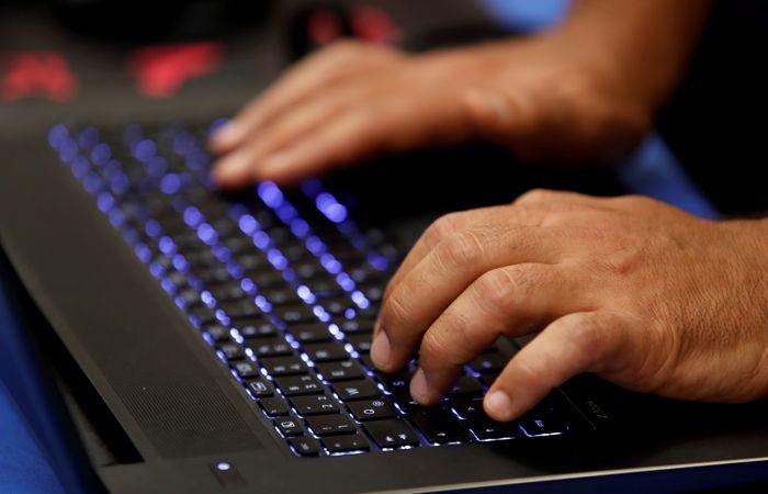 Американский сенатор заявил о взломе десятков email-аккаунтов Минфина США