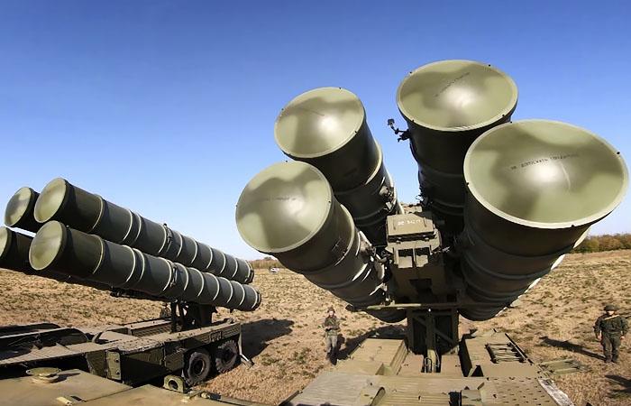 Российские военные усилили систему разведки и ПВО у границ РФ