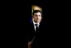 Зеленский заявил, что лично он хотел бы выйти из минских соглашений