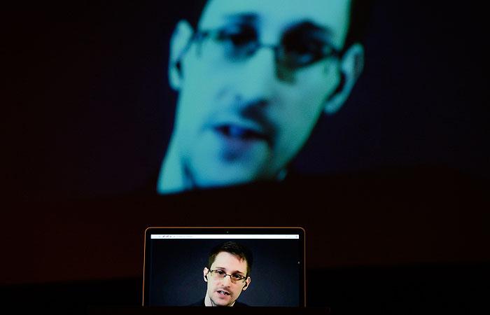 У Эдварда Сноудена родился сын