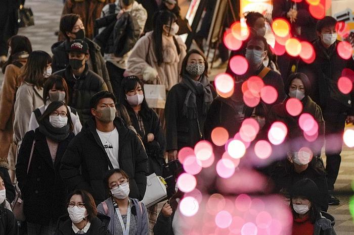 Япония до конца января закроет страну для иностранцев