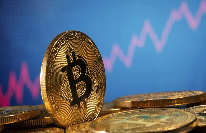 Цена биткойна выросла до $28,5 тысяч