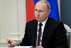 Путин подписал закон о наказании чиновников за оскорбления