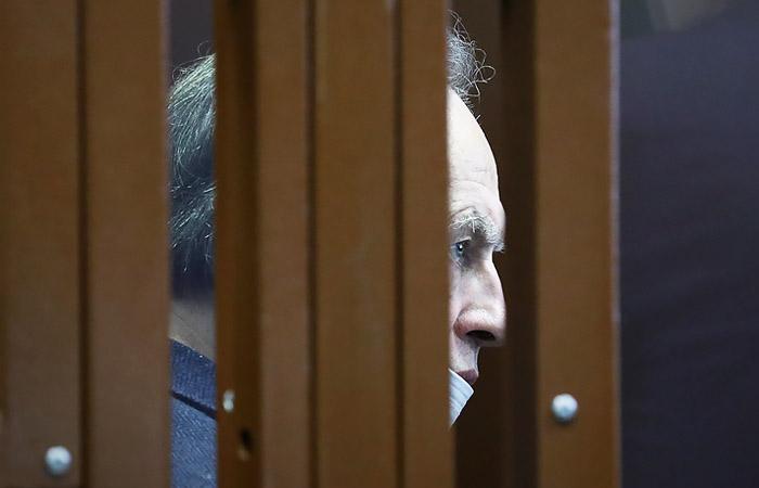 Бывший доцент СПбГУ Олег Соколов в здании Санкт-Петербургского городского суда