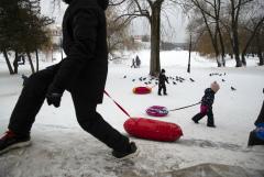 Минтруда предложило трехступенчатую систему выплат пособий на детей