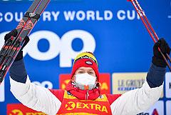 """Большунов выиграл гонку преследования на """"Тур де Ски"""""""