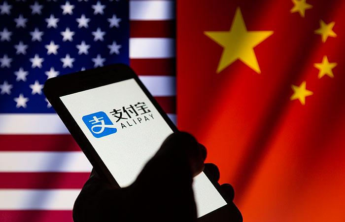 Трамп запретил использование в США восьми китайских приложений