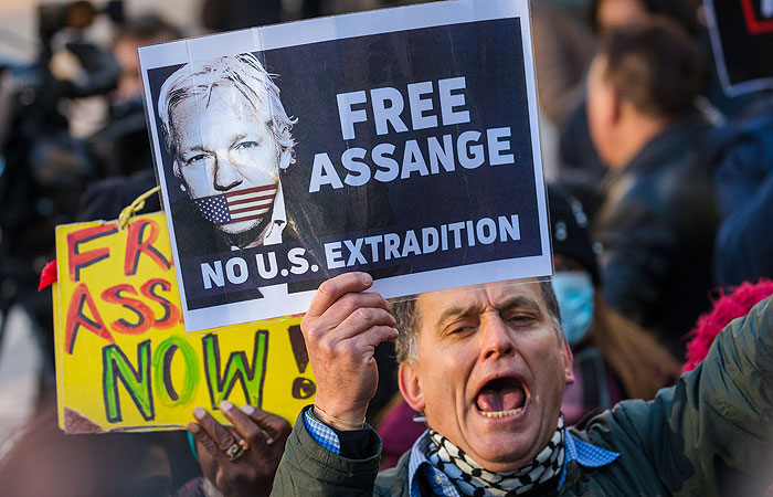 Суд в Лондоне отказался освободить Ассанжа под залог