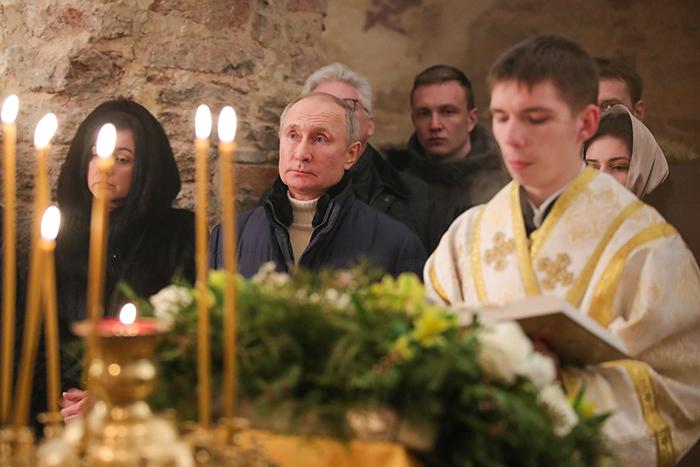 Путин назвал путеводной звездой человека надежду и ожидание чуда