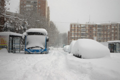 В Испании спасатели вызволили 1,5 тыс. застрявших в снегу водителей