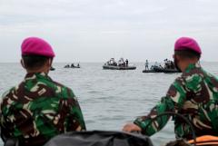 Спасатели нашли черные ящики рухнувшего в Яванское море авиалайнера