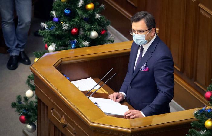 Глава МИД Украины выступил против российской вакцины от COVID-19