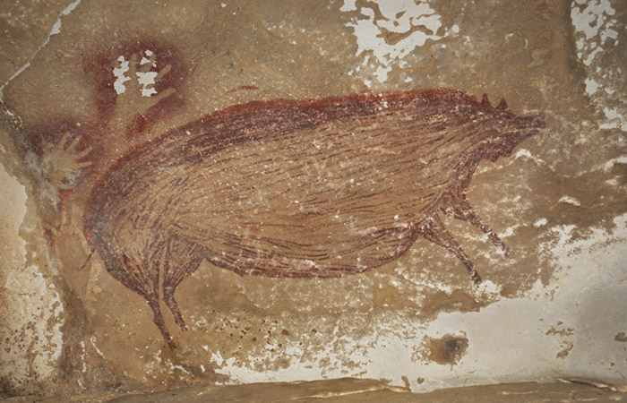 В Индонезии нашли самый древний в мире наскальный рисунок